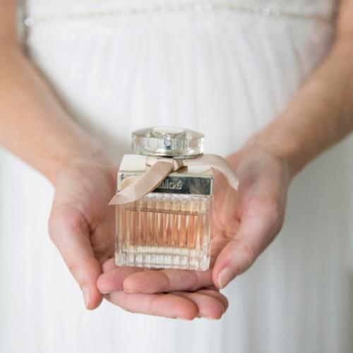 Trouwfotografie van accessoires en details van de bruid