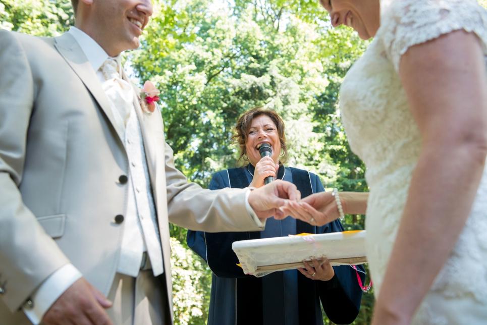 zelfstandig-trouwambtenaar-ceremoniespreker-breda-jullie-ceremonie