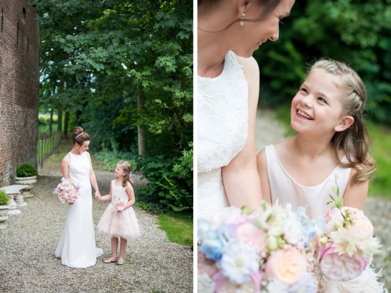 schattig-bruidsmeisje-met-bruid-kasteel-wijenburg