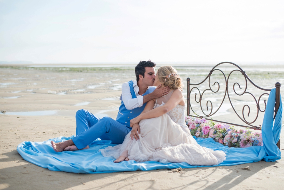 beach-wedding-sand-bed