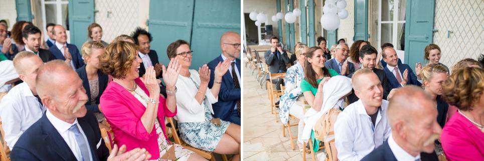 22-klappende-vrienden-familie-huwelijksceremonie-zuid-frankrijk