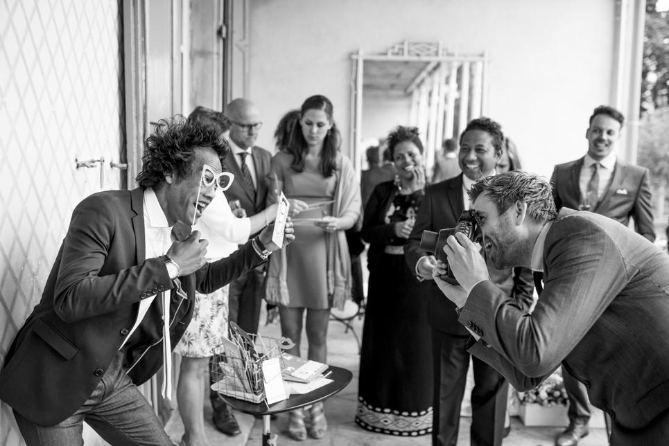 26-polaroid-camera-bruiloft-fotohokje-fotoprops