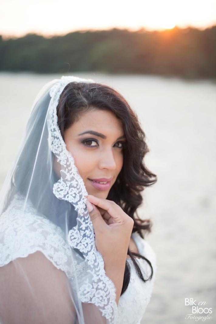 curvy-bruid-sensual-veil