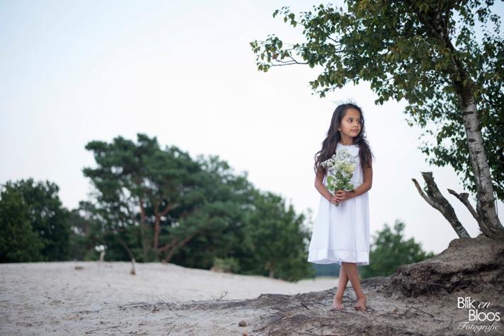 bloemenmeisje-heide-duinen