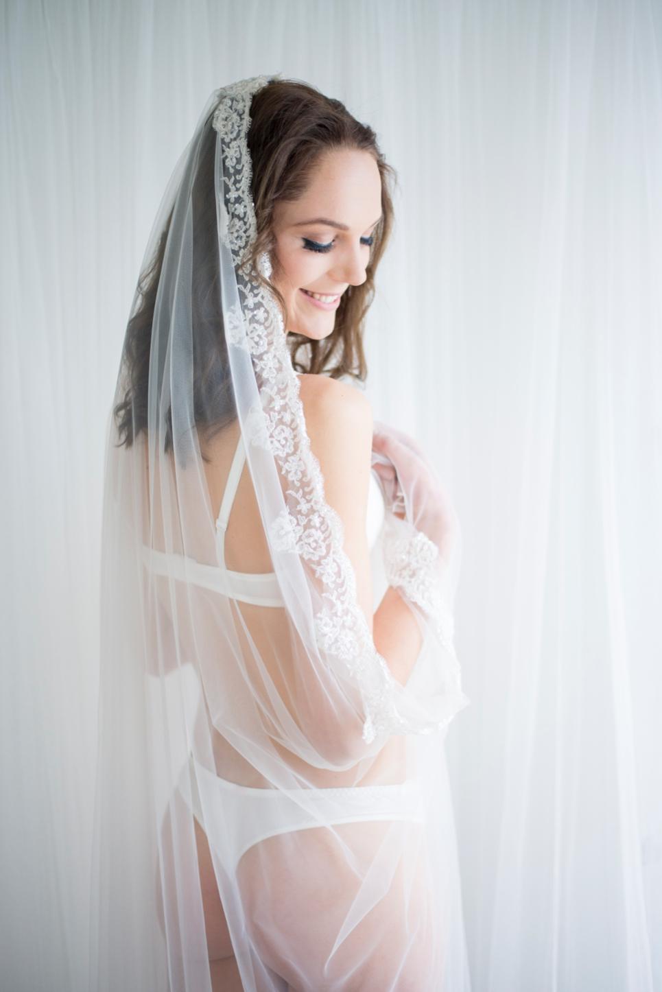 boudoir-fotoshoot-bruid-verrassing-aanstaande