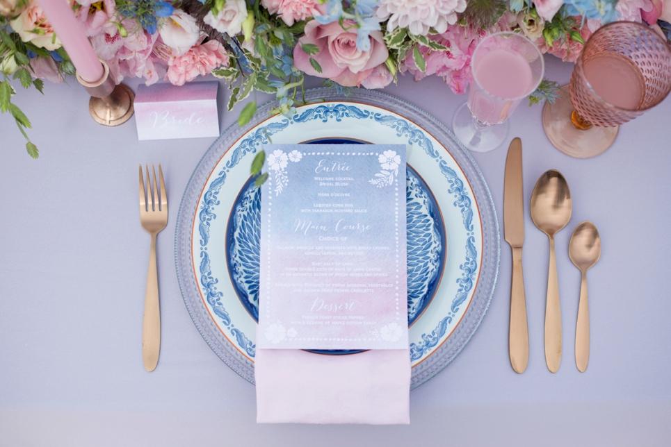 rose-quartz-serenity-blue-dinner-table