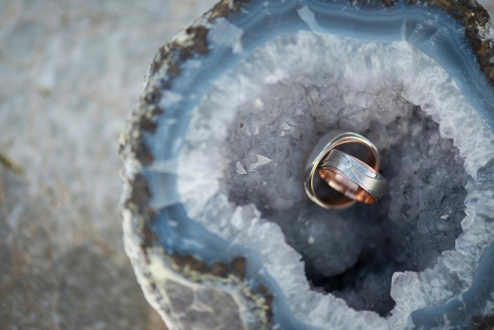 wedding-rings-beach-theme