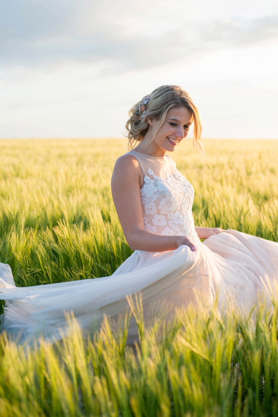 golden-hour-grainfield-wedding-photographer