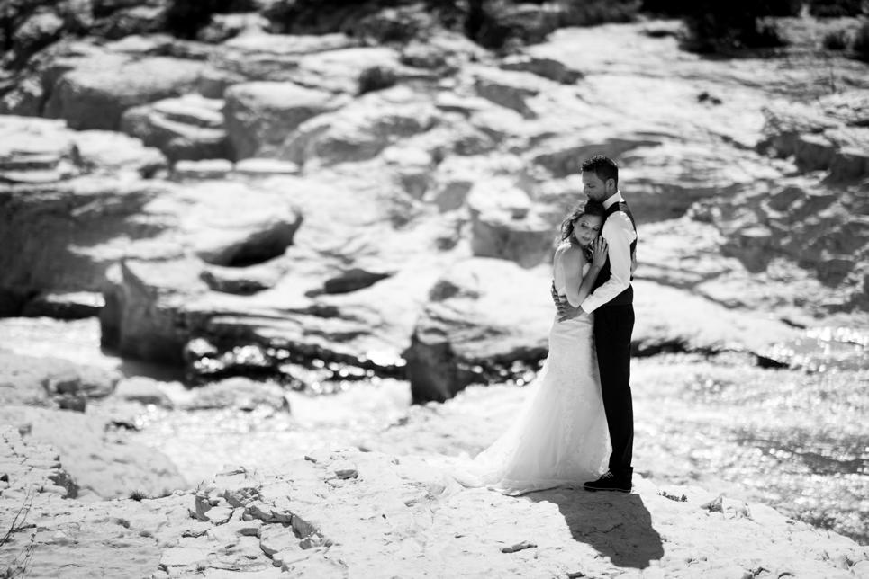 cascade-de-sautadet-bruidspaar-frankrijk-trouwfotograaf