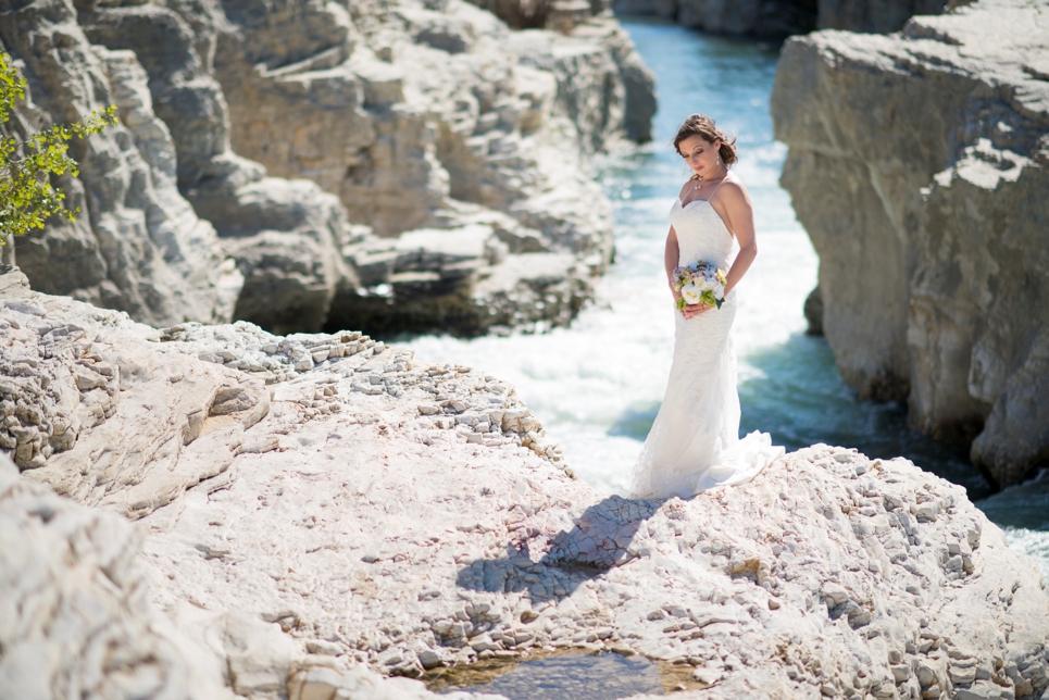 bruidsfotograaf-ardeche-frankrijk-watervallen-rivier-bruid-cascade-de-sautadet