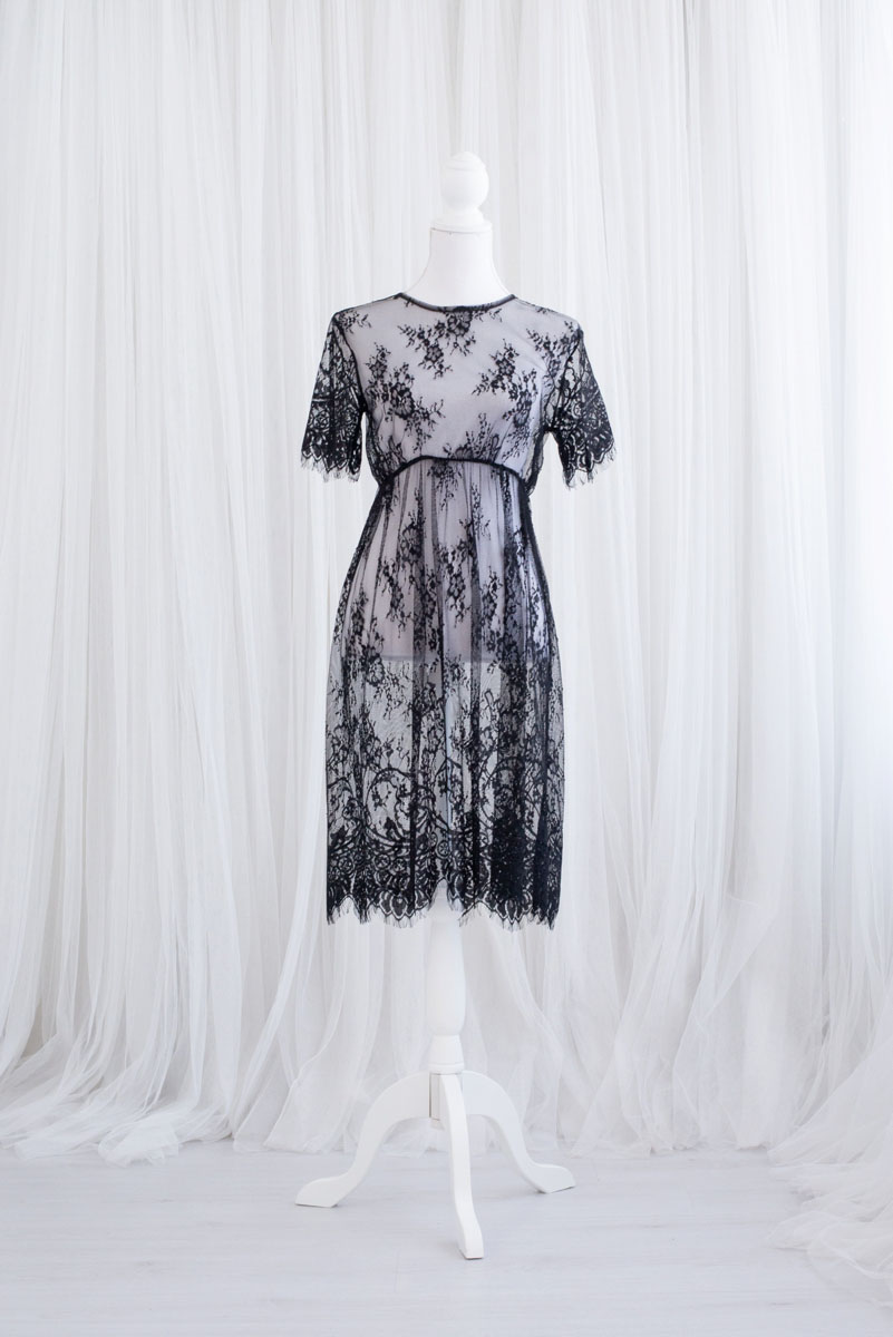 Kanten doorschijnende jurk uit de collectie van Blik en Bloos Fotografie - Lotte