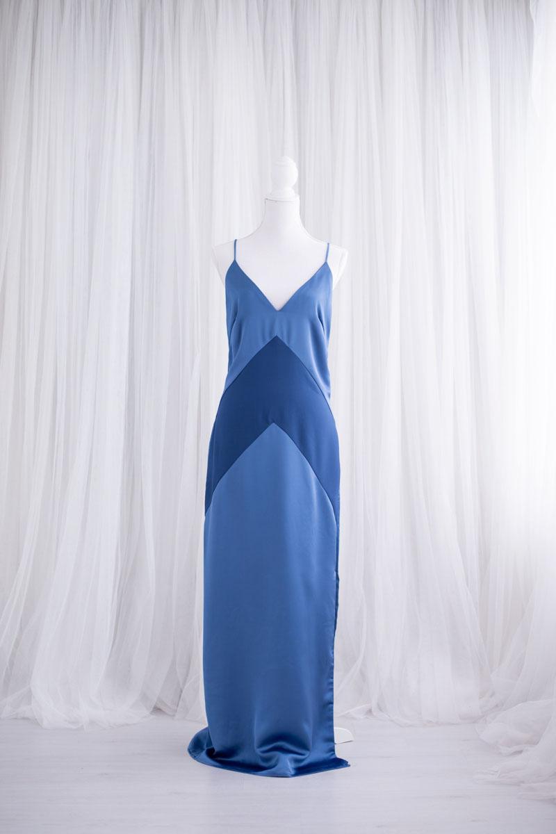 Sexy blauwe jurk uit de collectie van Blik en Bloos Fotografie - Ella