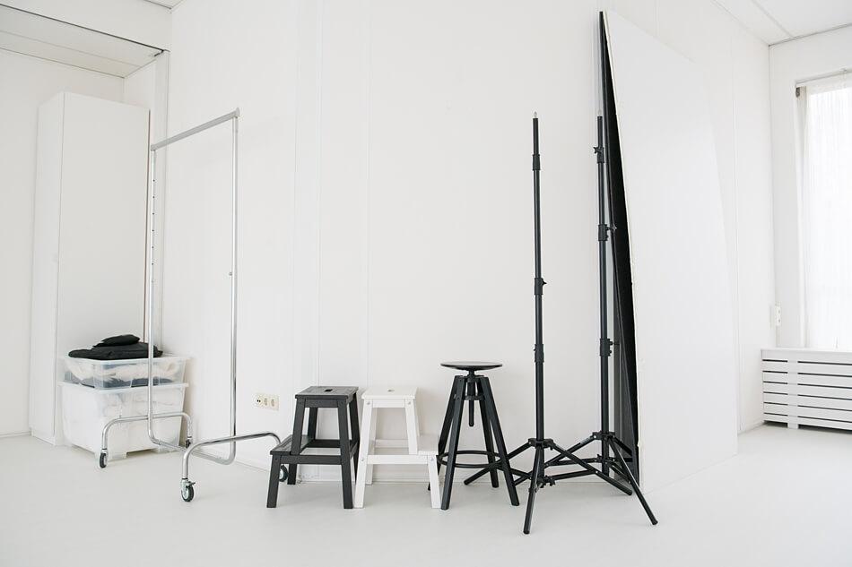 Daglicht studio in Zevenbergen met fotoprops - luxe hotelkamer