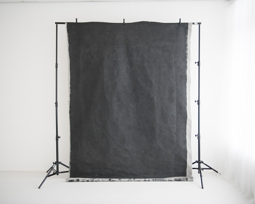 Zwarte achtergrond van schoolbordverf - Daglicht studio in Zevenbergen bij Breda